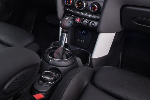 Mini Cooper gear shift